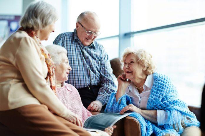 Amigos na terceira idade fazem mais bem a saúde que familiares