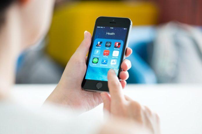 10 aplicativos de celular úteis para idosos