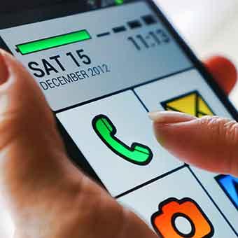 4 aplicativos para facilitar o uso do celular por idosos