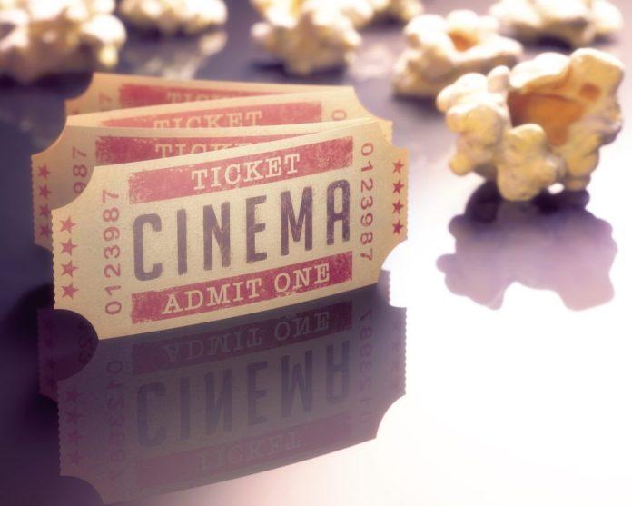 Meia-entrada nos cinemas para idosos é lei