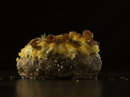 Batatas Recheadas com Queijo e Bacon