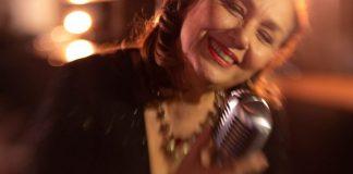 Jane Duboc e Rosanah celebra dia do Idoso no Baile 70+ em SP