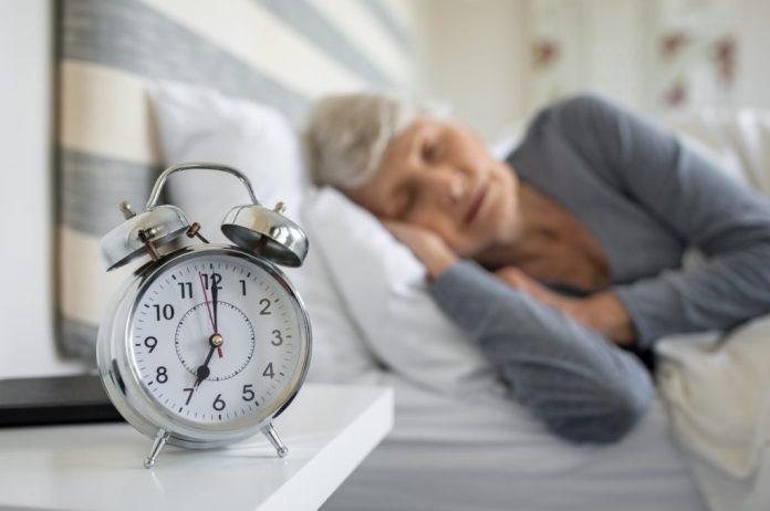 Dormir cedo – Um hábito que trás felicidade