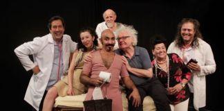 """Aos 73 anos, ator Herique Taubaté Lisboa protagoniza peça """"Na cama com Molière"""""""