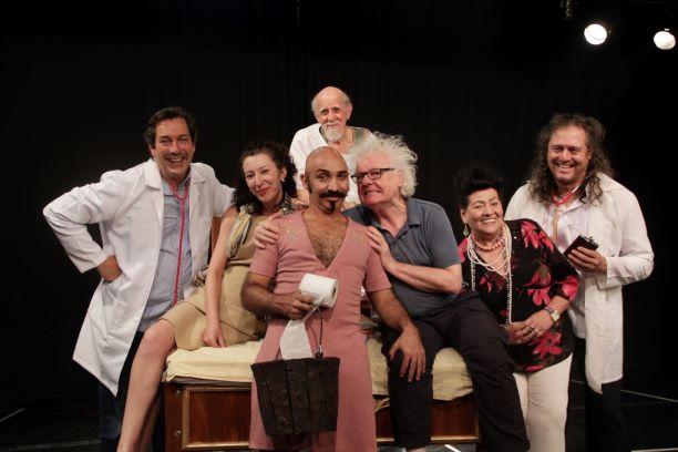 Aos 73 anos, ator Herique Taubaté Lisboa protagoniza peça