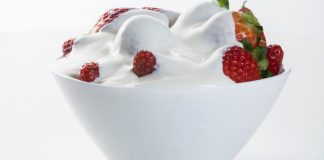 Chantilly tradicional, com leite Ninho e de chocolate - Receitas