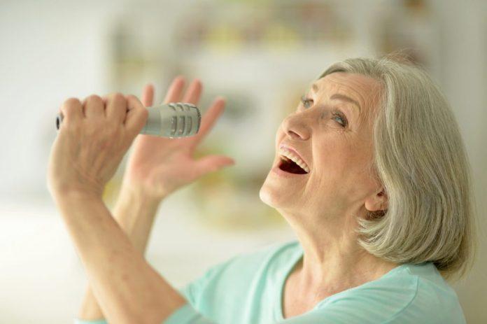 Cantar – 5 benefícios pra saúde de quem canta