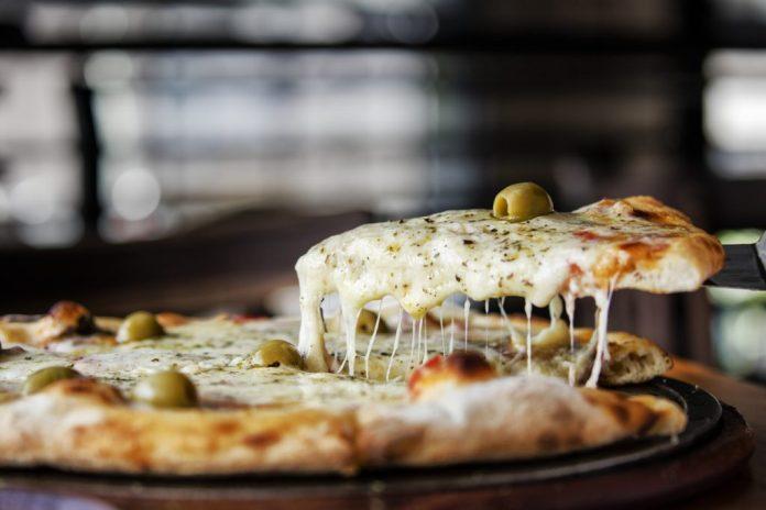 Pizza mussarela – Receita maravilhosa