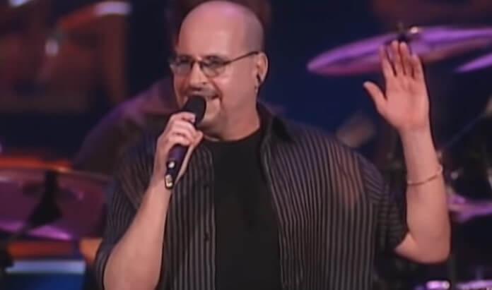 Paulinho, cantor do Roupa Nova, morre aos 68 anos