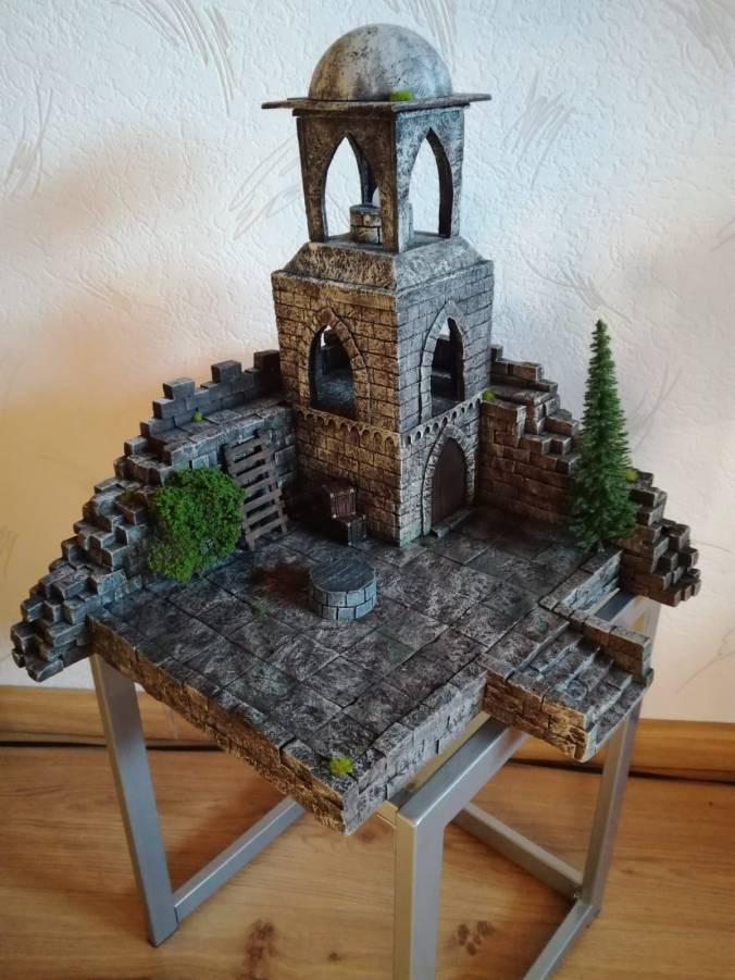 Frontalansicht des Außenpostens von Gondor