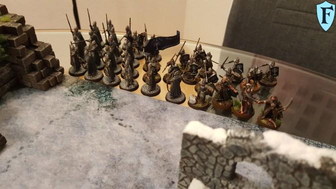 Die Streiter Gondors erwarten den Feind