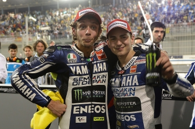https://i2.wp.com/www.femalefirst.co.uk/image-library/land/400/j/jorge-lorenzo-valentino-rossi-losail-2013.jpg