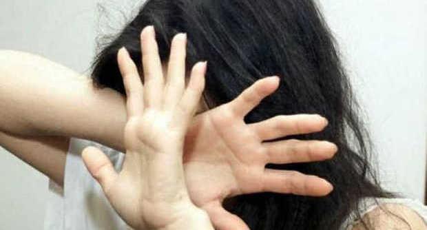 Violenza sulle donne: Pesaro, donna sfigurata con l'acido, fermato l'ex fidanzato