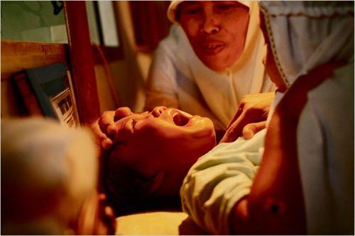 Infibulazione: la violenza sulle donne va oltre lo stupro