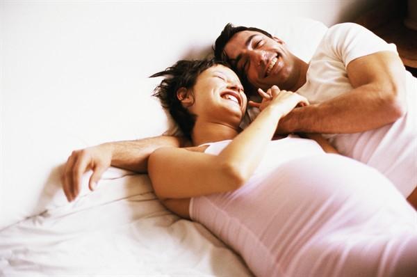 Gravidanza e rapporti sociali: come comportarsi per far filare tutte le relazioni