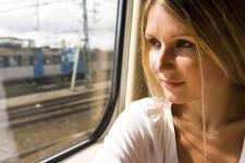 Per noi donne viaggiare in treno è meglio che in aereo. Lo sapevi?