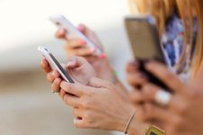 Donne e tecnodipendenza: 52% delle donne, non riesce a staccarsi dal proprio smartphone