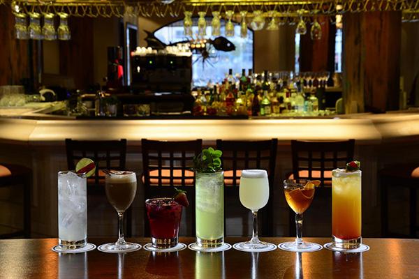 Los cocktails de La Rosa Náutica para acompañar delicias peruanas