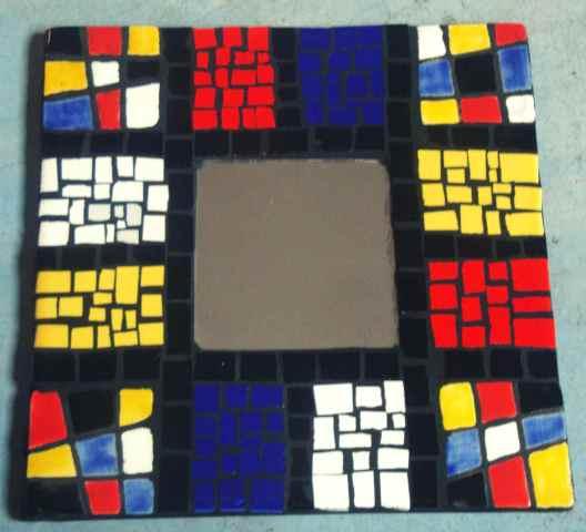 Grana Trencadis lanza un nuevo seminario de espejos intervenidos con mosaico