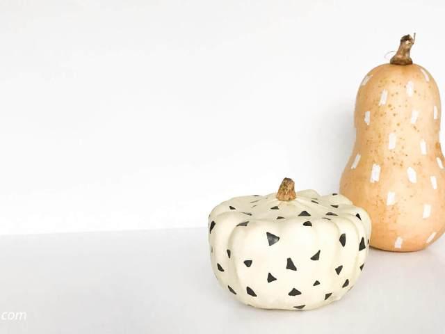 Haal de herfst in huis met pompoenen. Een simpele DIY voor leuke herfst decoratie: pompoenen versieren!
