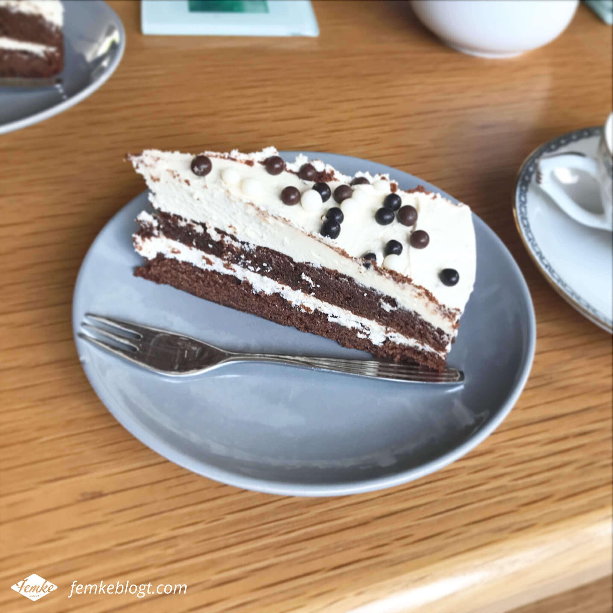 Maandoverzicht september | Chocoladetaart met Bailey's glazuur