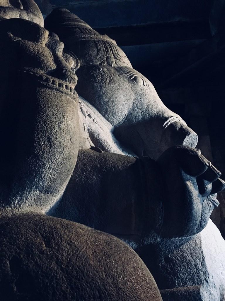 Hampi travel guide - Monolithic Ganesha