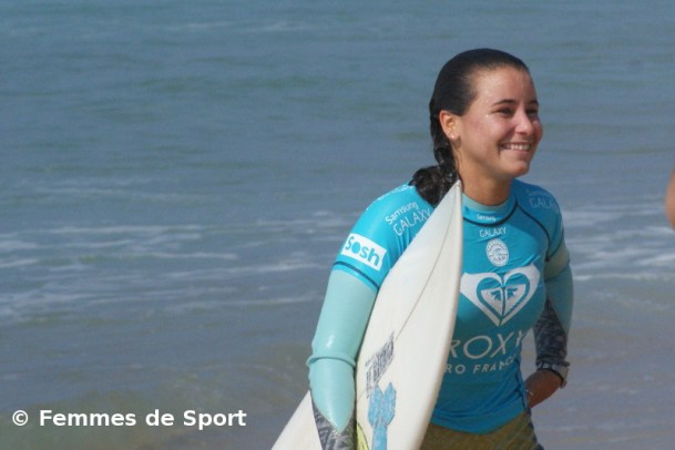 Surf bells beach johanne defay en quart femmes de for Interieur sport johanne defay
