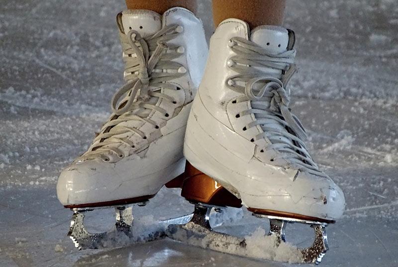 Patinage artistique – James et Ciprès 1ers du Skate Canada