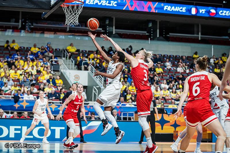 Basket - France féminine - Olivia Epoupa