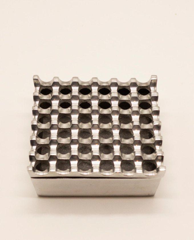Τασάκι μεταλλικό αλουμίνιο 6 x 6 τρύπες