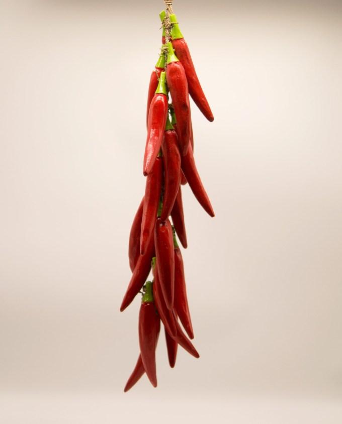 Γιρλάντα με 20 ξύλινες κόκκινες χειροποίητες πιπεριές