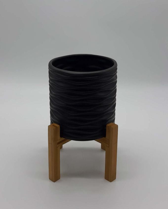 Κασπώ μαύρο κεραμικό με πόδια ύψος 25 cm