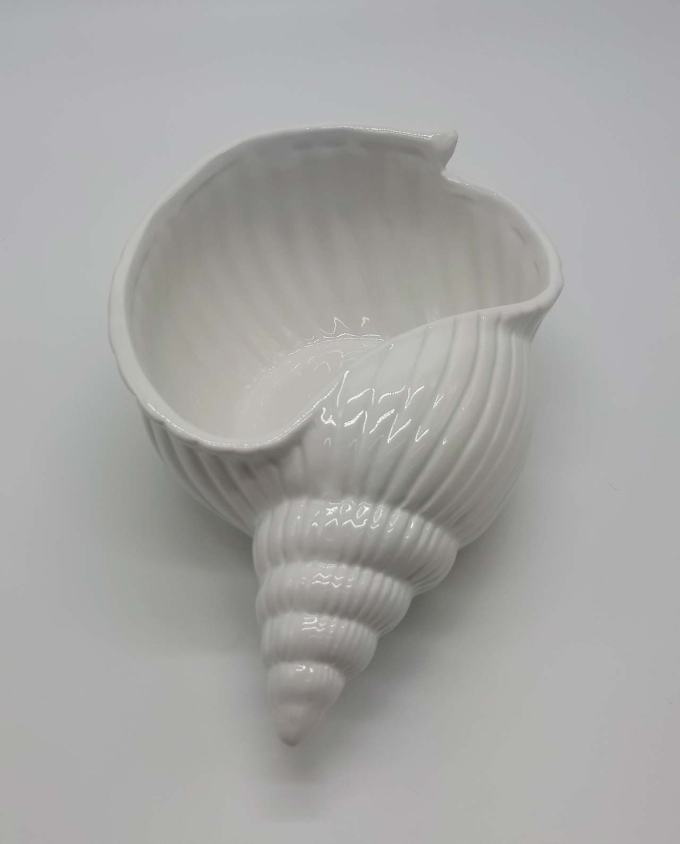 Bowl ceramic seashell 30 cm x 18 cm