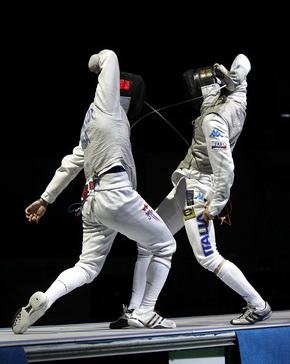 Meinhardt battles Lari in the semi-finals