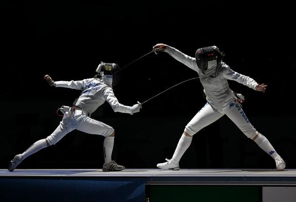 Lee Kiefer attacks in the Cadet World Championships