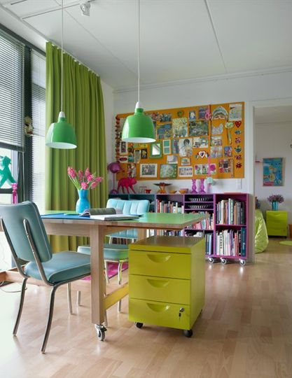 Home Office Decorating Tips   Feng Shui Interior Design   The Tao of     colored office