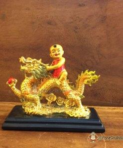 Qui Yong riding Dragon