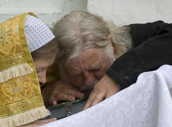 Проблема: духовник в женском монастыре