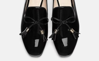The Ferago Shinning Leather Loafers 4