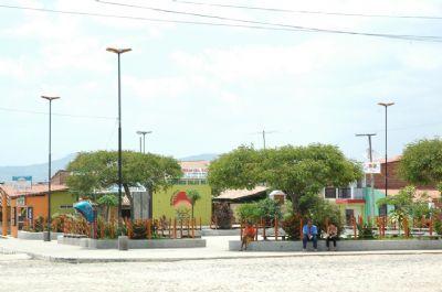 Praça Central Raimundo Sales Netos, Por Everardo Félix