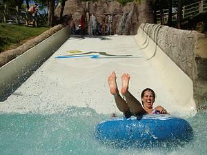 Hot Park: Emoção e aventura em águas quentinhas<br>