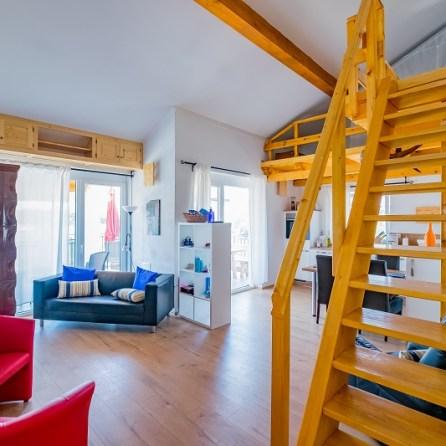 App 1 - Wohnzimmer-Ansicht 1