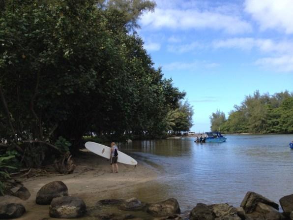 Kauai Hawaii - Hanalai - viel zu groß das Surfbrett