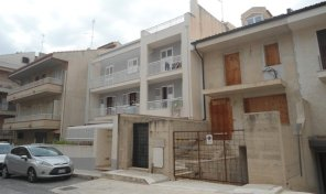 SC 179 Appartamento con terrazzo e garage