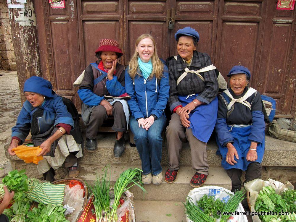 Making new friends in Yunnan.