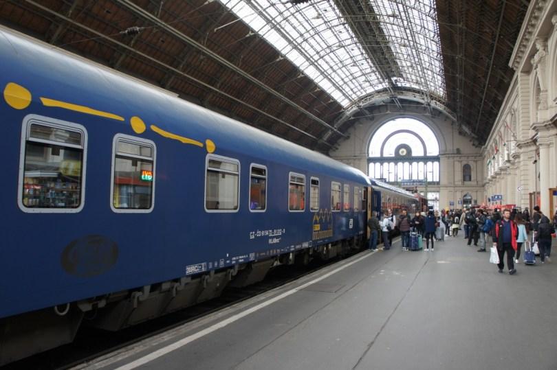 "Ankunft des EuroNight ""Metropol"" in Budapest"