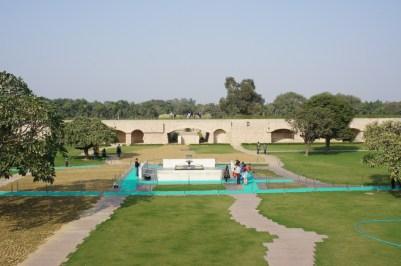 Das Raj Ghat, dem Mahatma Gandhi-Denkmal (Scheingrab)