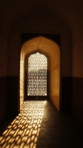 Im Mausoleum des Humayuns