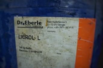 Chemikalien aus Deutschland für die Lederverarbeitung in Bangladesch. Das Zeug riecht gar nicht so schlecht