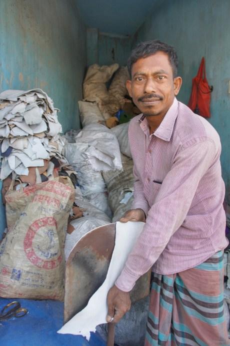 Zwischen den Lederfabriken befinden sich viele Kleinstunternehmen, die die Lederreste weiterverarbeiten
